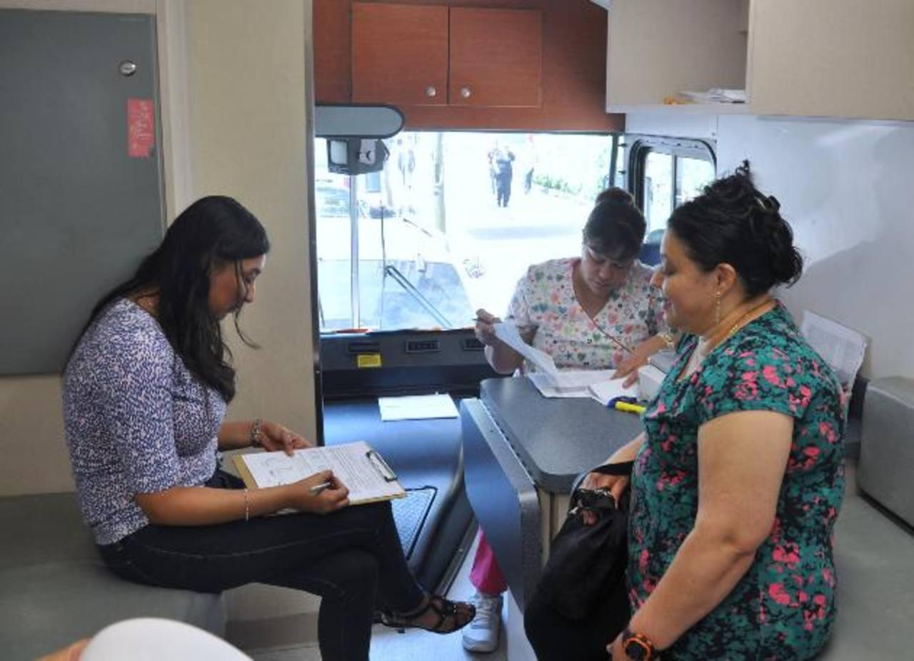 Consulado salvadoreño realiza mamografías en Manhattan