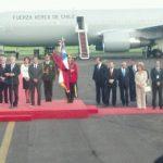 A su llegada al aeropuerto Internacional, el mandatario fue recibido por el vicecanciller Jaime Miranda . FOTO EDH /Douglas Urquilla