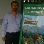 Carlos Balmore Vigil, capitán de la Fuerza Armada Salvadoreña y también autor de la publicación.