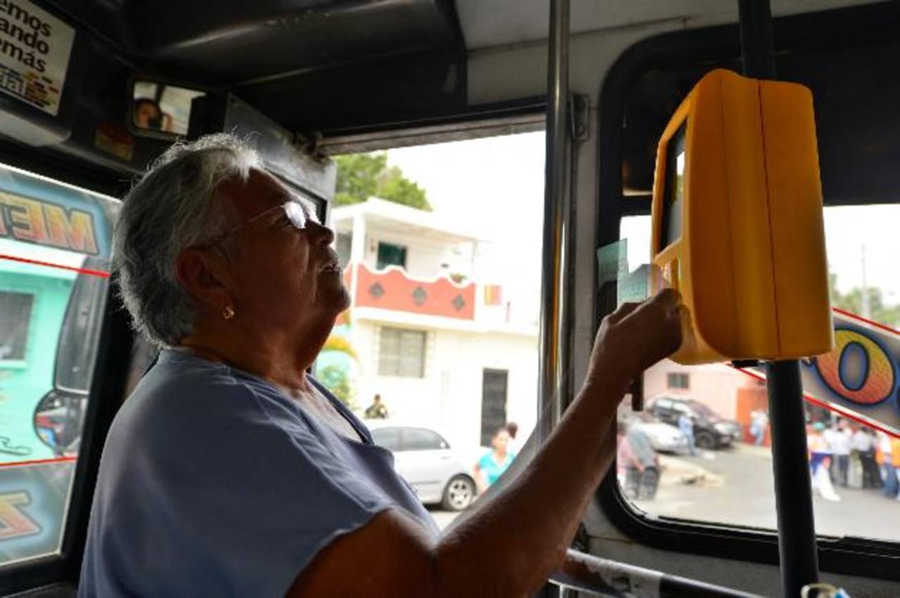 Dudan que el sistema prepago en buses inicie en julio