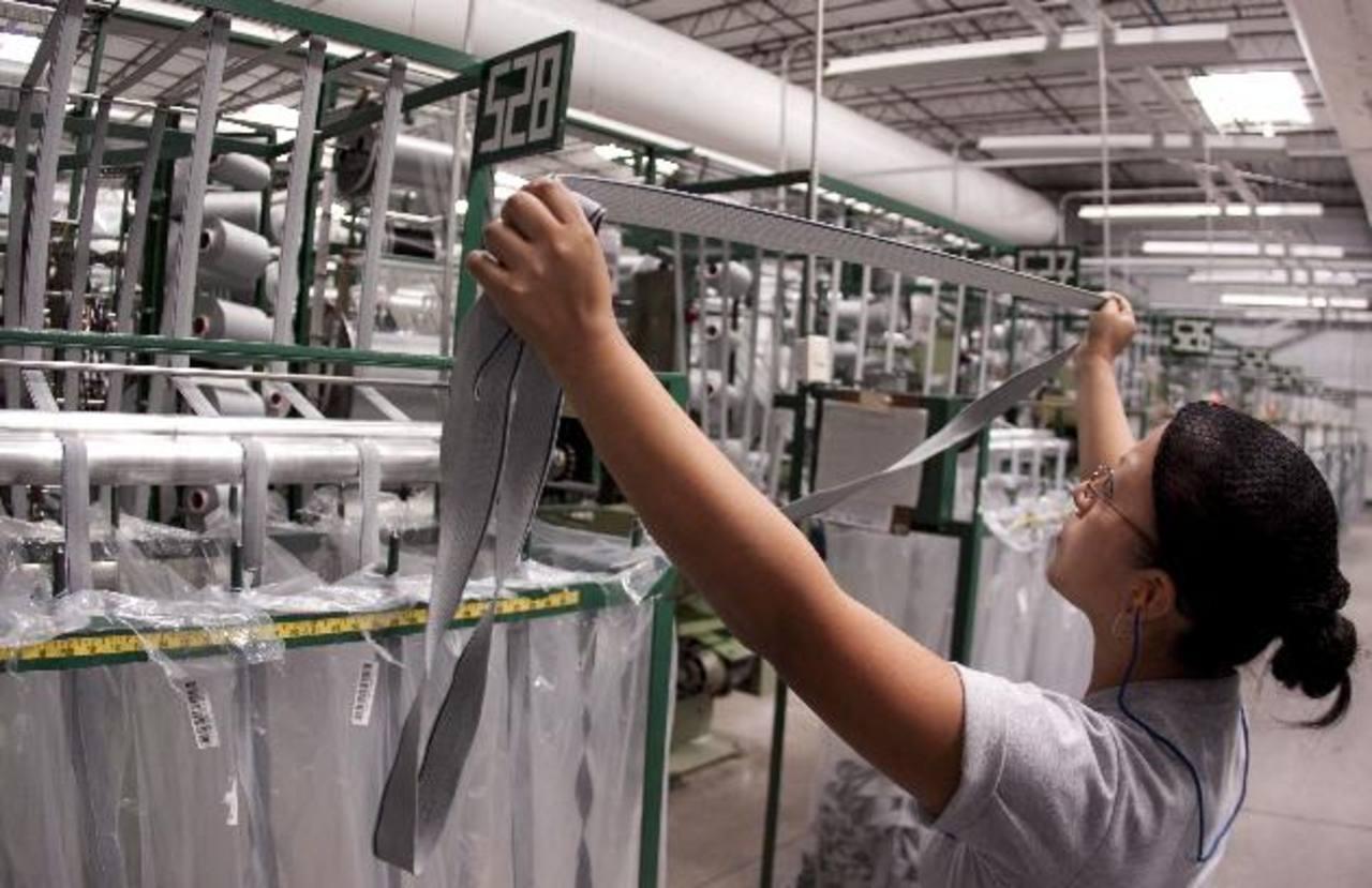 En los últimos cuatro años, la inversión externa se ha mantenido estancada. Foto EDH/archivo