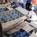 Las investigaciones de la Asociación de Destiladores y Licoreros han detectado la existencia de unos 400 puestos de venta de licor y aguardiente adulterado en todo el país. Foto EDH / Archivo