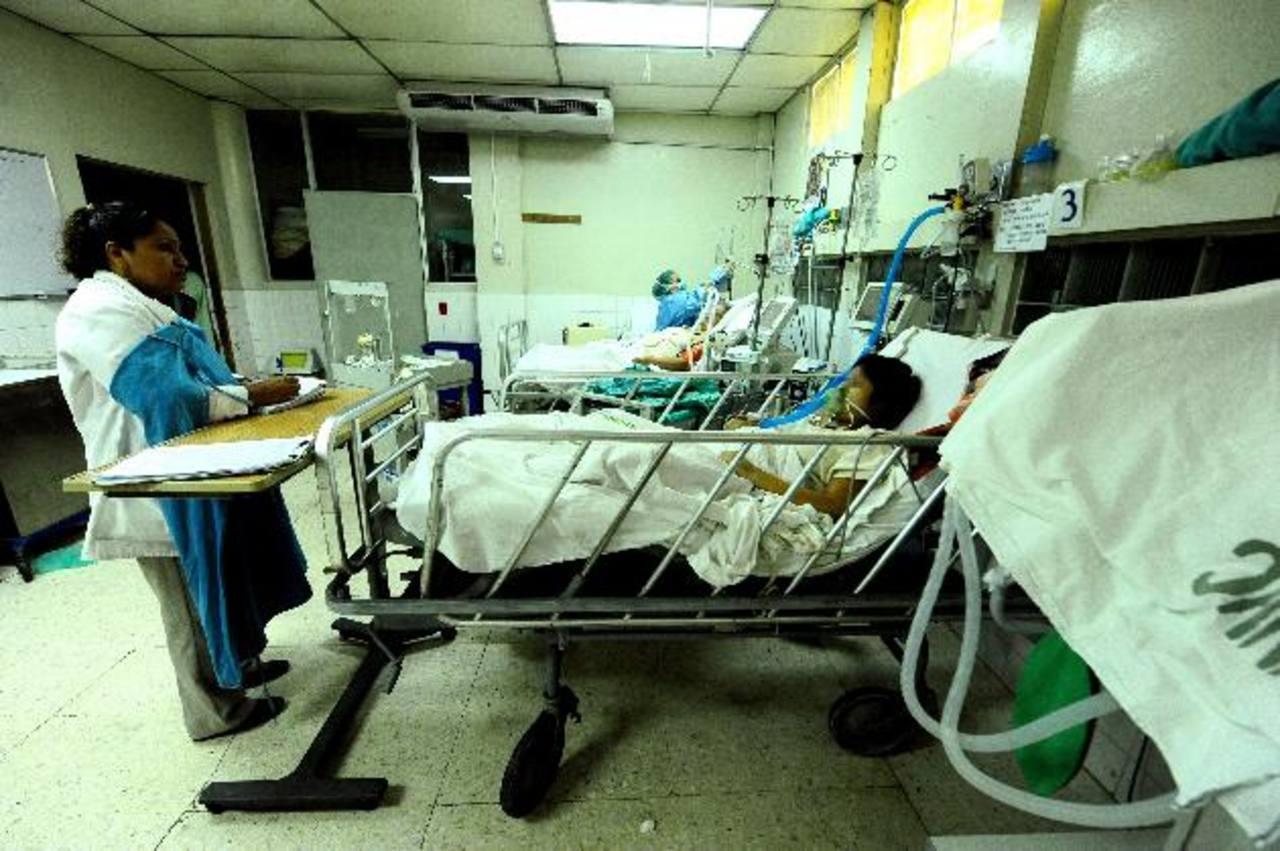 Beatriz se encuentra internada en el hospital de Maternidad, cuyos médicos están en emergencia para atender a Beatriz, como lo ordenó la Sala de lo Constitucional de la Corte Suprema de Justicia. Foto EDH / Archivo