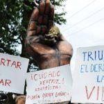 La Fundación Sí a la vida se concentraron en el monumento pro vida en la Colonia Médica. Foto EDH / Marlon Hernández.