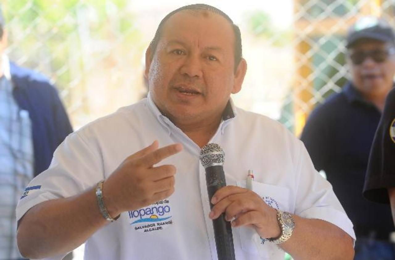 La Policía aclaró que el alcalde Salvador Ruano no había sido detenido, solo su motorista, por dos delitos. Foto EDH / Archivo