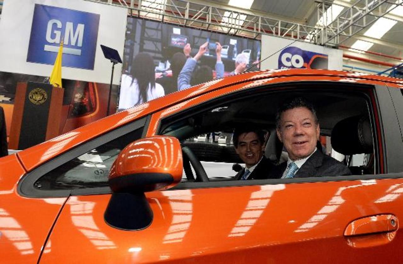 foto: expansión/ EFEEl presidente Juan Manuel Santos inauguró ayer la primer planta de General Motors en Colombia.