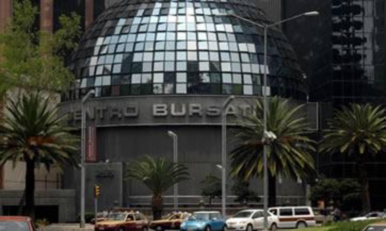 La operación global de los títulos ordinarios de Banorte, el tercer mayor banco de México, representó en el mercado bursátil un total de 31.987 millones de pesos (2.559 millones de dólares).