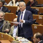 El presidente del grupo socialista en la Eurocámara, Hannes Swoboda, dijo que la cooperación con Estados Unidos se ha basado en la confianza entre socios.
