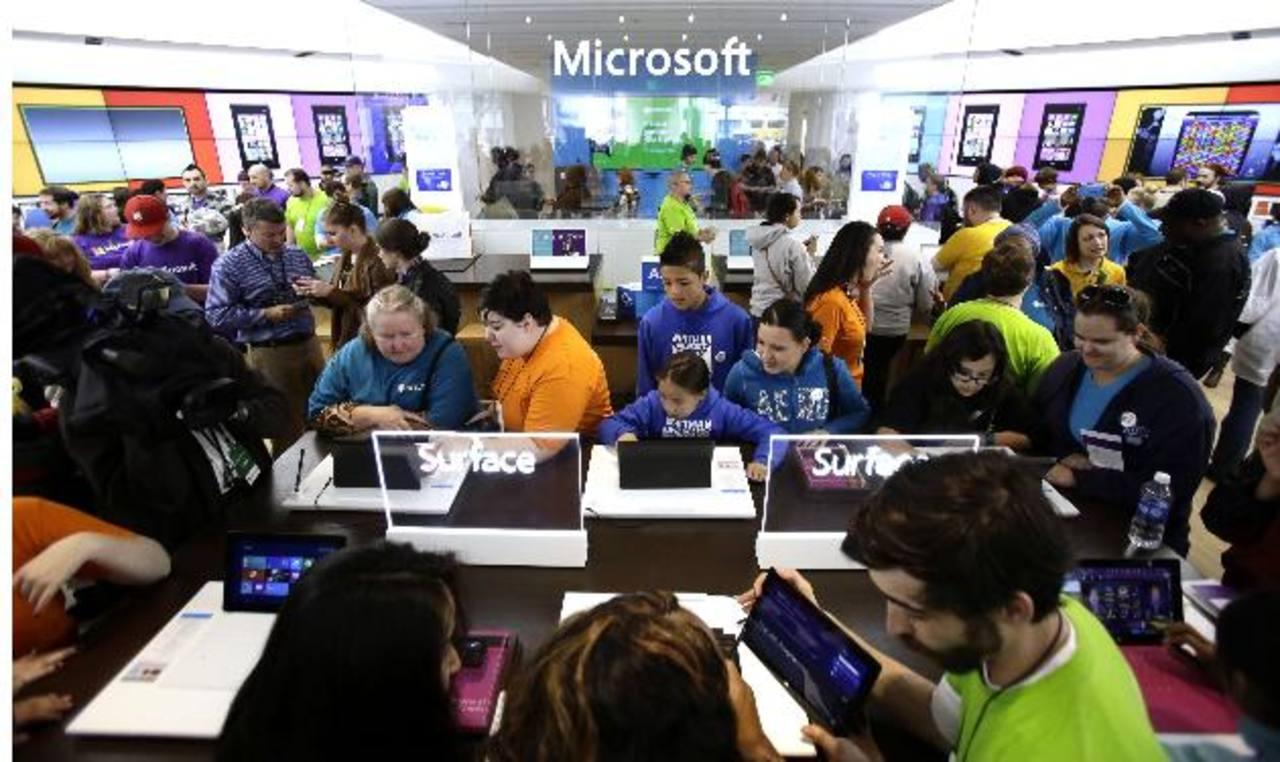 Los gigantes tecnológicos, entre ellos, Microsoft, consideran que es pertinente que se les permita informar a sus clientes, regularmente, sobre el número de pedidos de información de su base de datos que hace el Gobierno. _Foto AP.