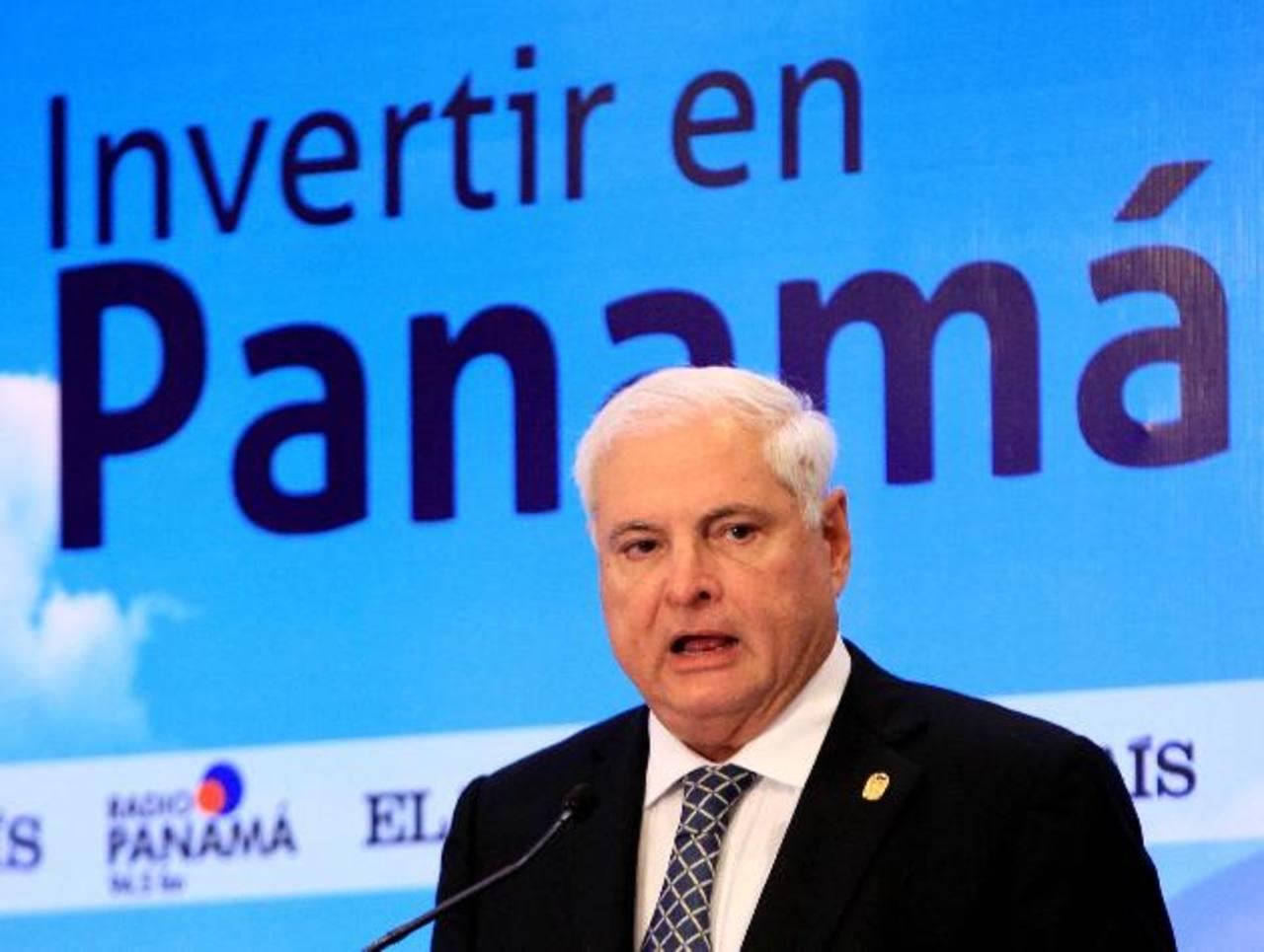 """Con un apoyo del 54 % de panameños, el presidente Ricardo Martinelli, termina gestión acusado de una """"perversa distribución de riqueza""""."""