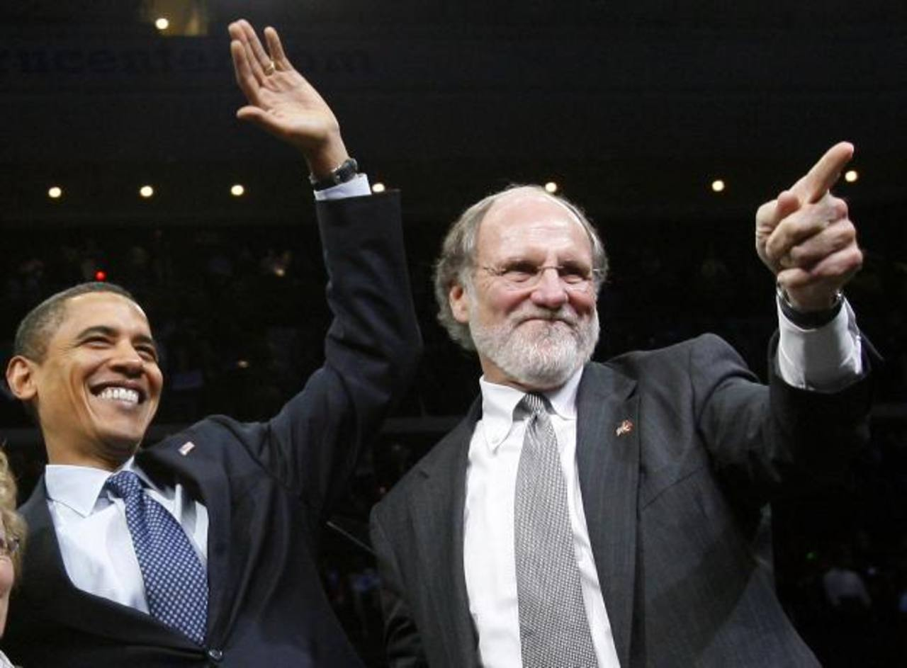 Jon Corzine, exconsejero de MF Global, en líos legales.