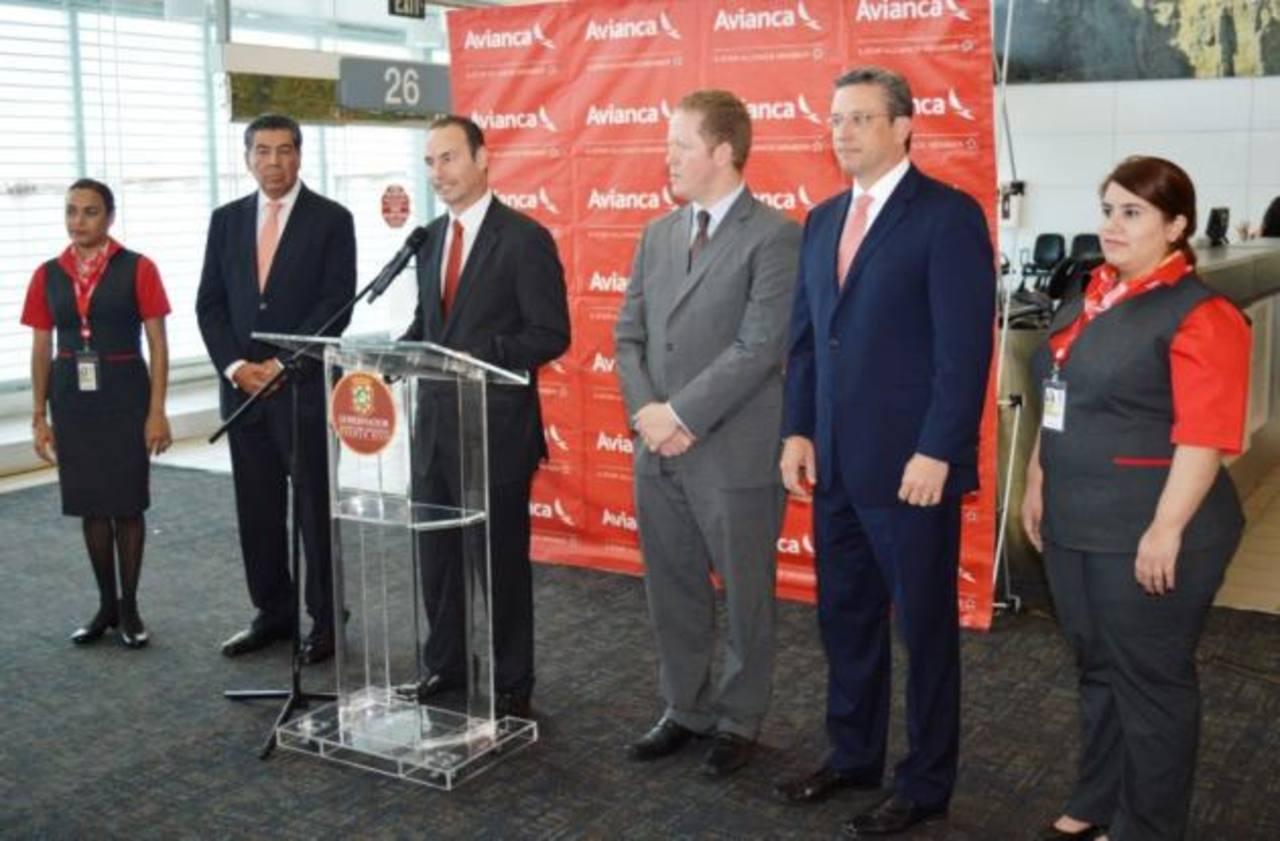 Autoridades puertorriqueñas y de Avianca inauguraron ayer los vuelos de la ruta San Juan-Bogotá.