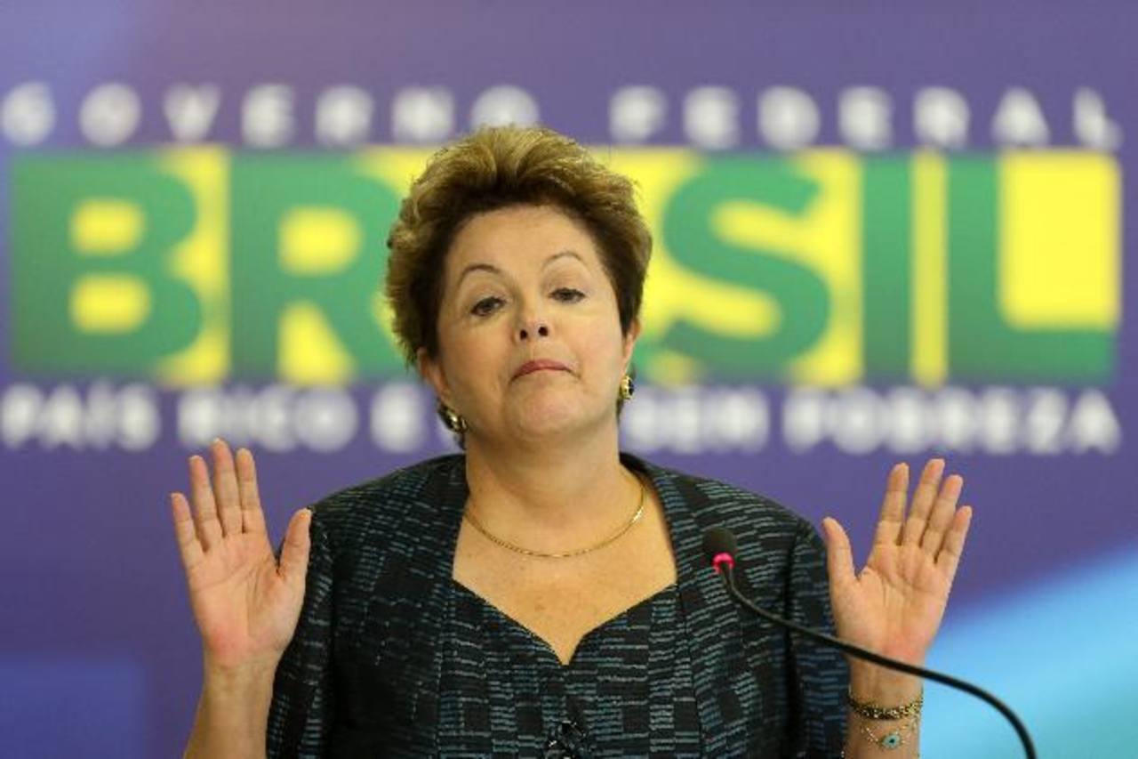 Funcionarios de Dilma usan helicópteros oficiales para ir de vacaciones y a ver fútbol