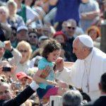 Papa visita Brasil, fortalecerá Iglesia en América Latina