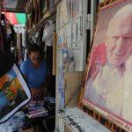 Papa Juan Pablo II será santificado, dice Vaticano