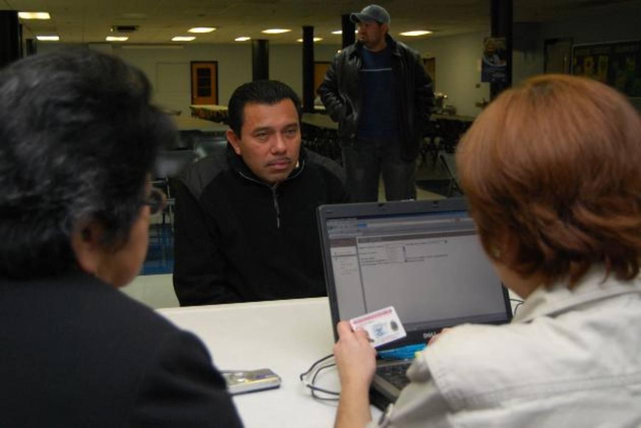 Acelera reinscripción del TPS al acercarse fecha de cierre