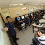 Los alumnos del programa reciben clases prácticas por la tarde, en los laboratorios de informática. FOTO EDH / Jorge Reyes