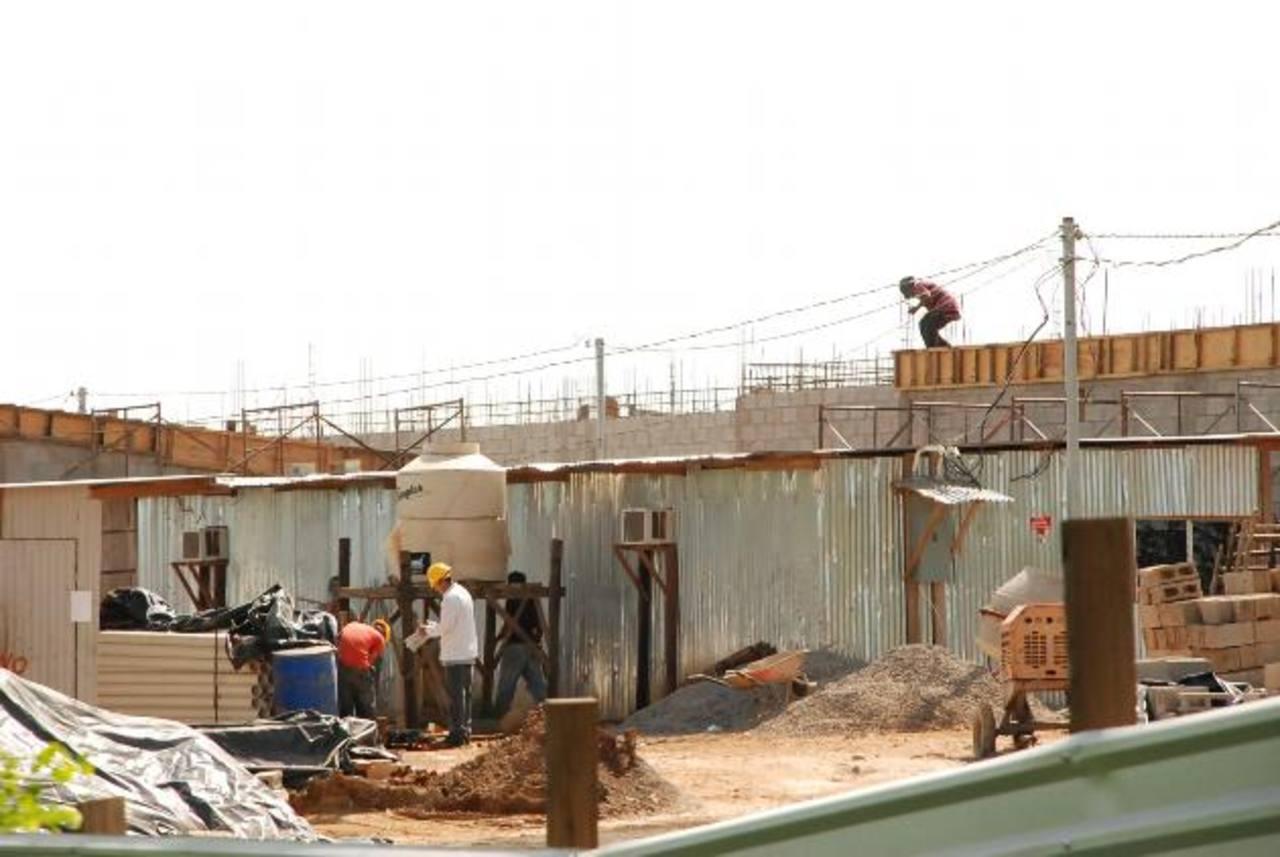 Las labores de construcción tienen un 25 por ciento de avance. Fotos EDH / insy Mendoza