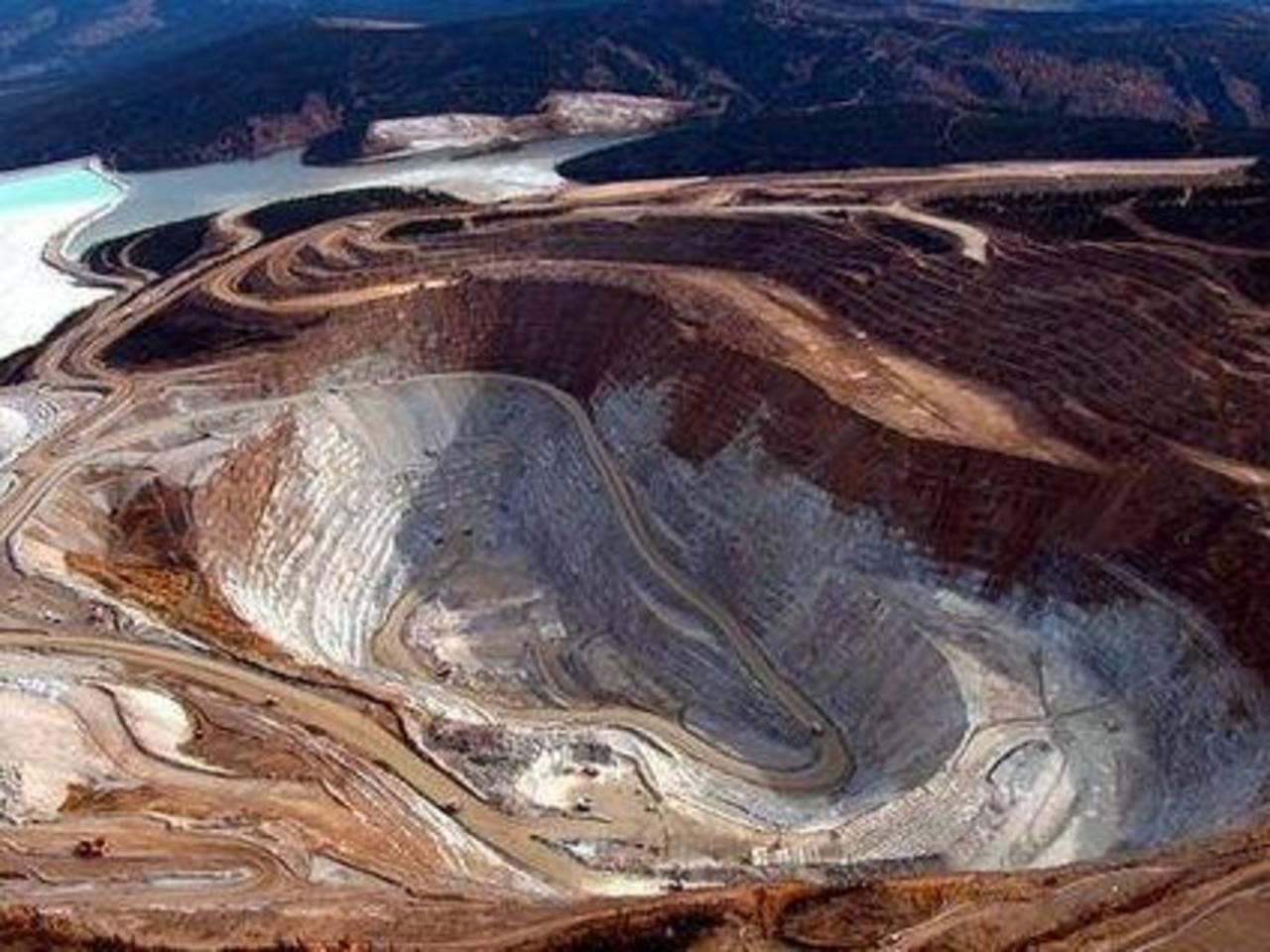 Parte de la mina de oro Fort Knox Mine, en Alaska. Foto/ AP - Archivo