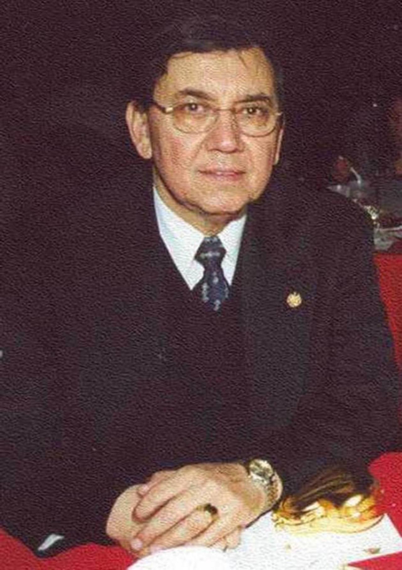 Óscar Benavides dirigió la sede diplomática entre 2004 y 2008. No se presentó el martes ante el juez. Foto EDH