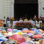 La misa patronal se celebrará el 6 de agosto frente a la Catedral Metropolitana. La novena al patrono inició el pasado 28 de julio a las 5:00 p.m. Foto EDH / archivo