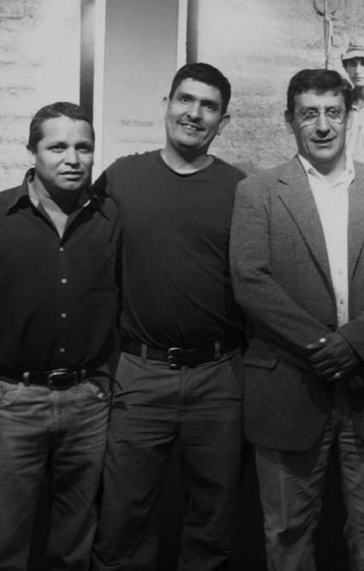 De izquierda a derecha: Omar Carbonero, Edgar Romero, Christian Poveda (1955 - 2009), Iván Montesinos y Susan Meiselas. Foto EDH / Cortesía PhotoCafé. Edgar Romero exhorta a sus colegas que dialoguen en caso de que existan molestias.