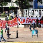 La Iglesia les advirtió que no les acompañará si siguen amenazándolos con medidas de presión. Foto EDH / Marlon Hernández
