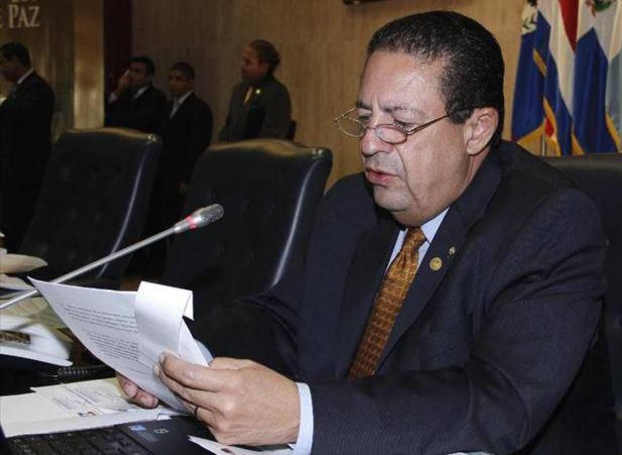 El funcionario puede ahora retomar su cargo como diputado. FOTO EDH/ARCHIVO