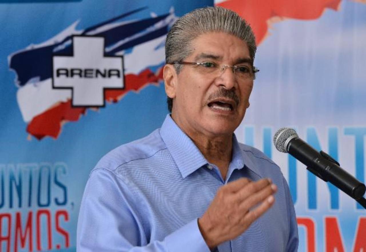 Norman Quijano, candidato a la presidencia por ARENA, dijo que las dos fuerzas políticas que compiten son su partido y el FMLN. Dijo que Unidad se ha estancado. foto edh / Omar carbonero