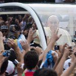 El papa Francisco fue recibido por feligresía católica de todo el mundo.