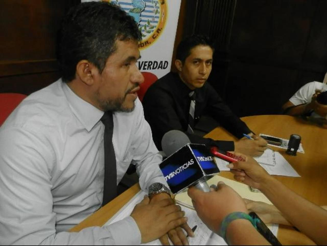 Autoridades brindaron detalles de la actividad que pretende beneficiar a un buen número de personas. Foto EDH / Milton jaco