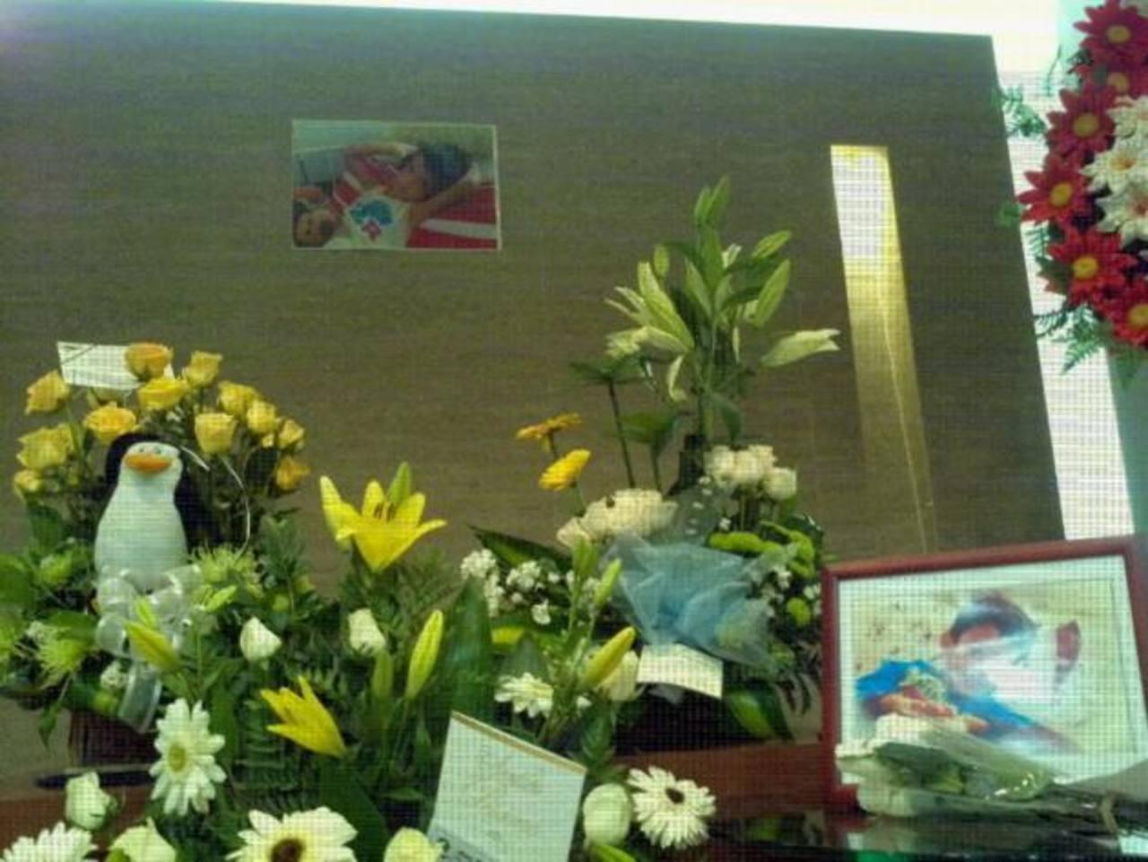 Los restos de Waldemar son velados este lunes en San Salvador. Foto/ Óscar Iraheta
