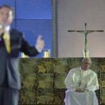 Aunque el cansancio de una ajetreada semana invadió por momentos el rostro del papa en le Vigilia en Copacabana, en su mensaje alentó a los jóvenes a que, motivados por los valores del evangelio, sigan superando la apatía y ofreciendo una respuesta c