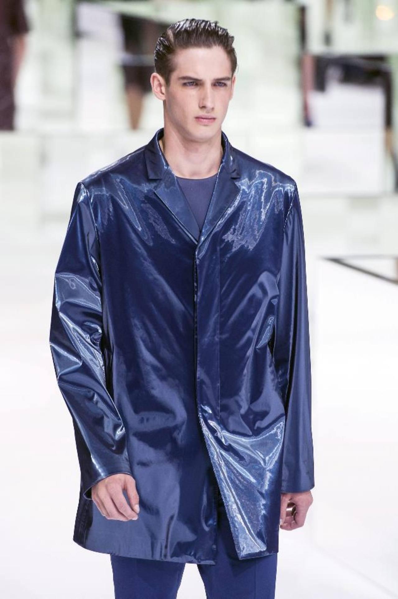 Los tratamientos han salvado a 20 millones de personas en todo el mundo. Creación del diseñador belga Kris Van Assche para la firma Dior Homme. foto EDH