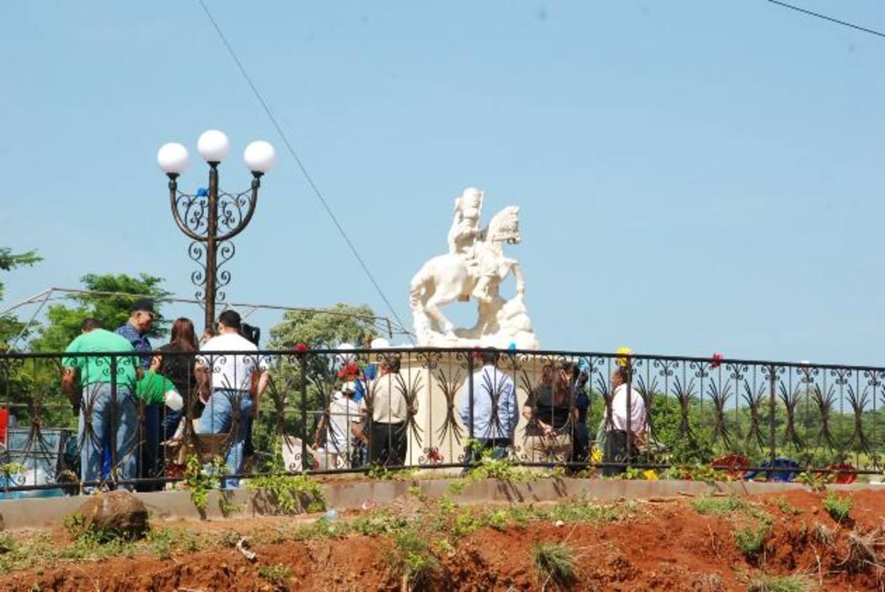 La inversión que hizo la municipalidad en la edificación de la plaza fue de aproximadamente 15 mil dólares. La inauguraron el 25 de julio. Foto EDH / insy mendoza