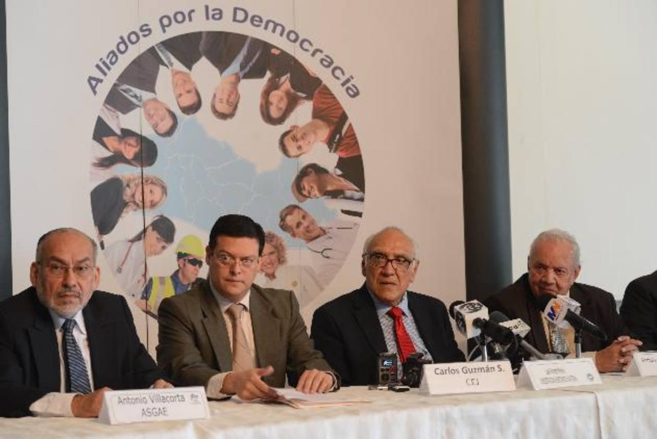 Aliados por la Democracia pidió a la Fiscalía que investigue una protesta en la que sindicalistas del Órgano Judicial lanzaron amenazas contra los magistrados. Foto EDH / D. Urquilla