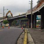 Este domingo el MOP inició los trabajos de demolición del paso a desnivel ubicado cerca del Molsa. Foto vía Twitter Mauricio Castro