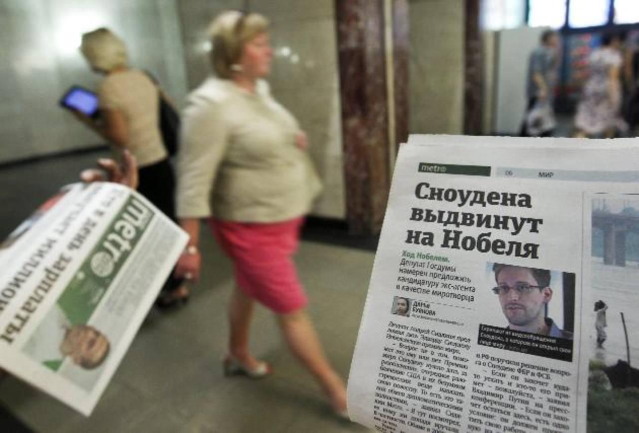 La foto de Edward Snowden en un diario ruso.
