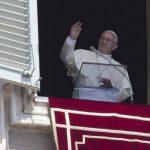 El pontífice durante la oración dominical del Angelus. FOTO AP
