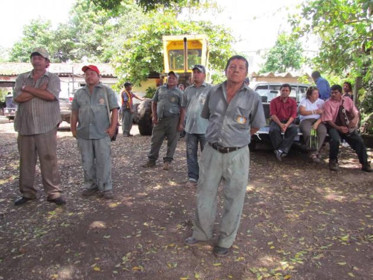 En este plantel municipal funcionan las dependencias de bacheo, maquinaria pesada, alumbrado público, carpintería y obra de banco. Foto EDH / Mauricio Guevara
