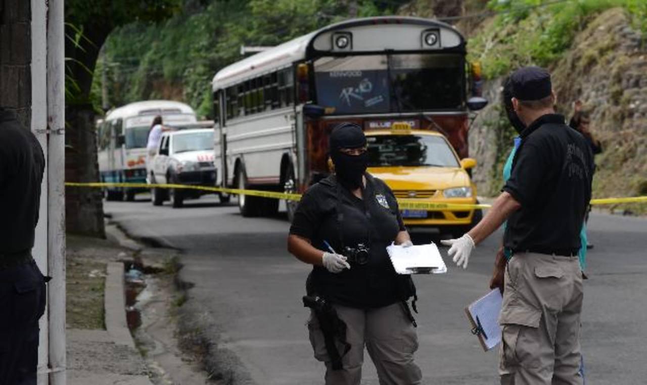 Uno de los últimos homicidios se registró en la colonia Buena Vista, en Mejicanos, en las cercanías del punto de buses de la ruta 2A. Foto EDH / Archivo