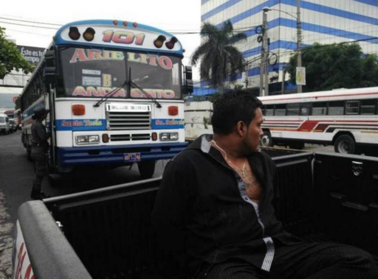 Uno de los sospechosos del ataque contra el bus fue detenido, según la Policía. Foto/ Jaime Anaya