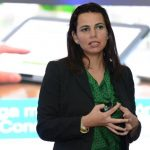 Yadira Suárez, gerente de tecnología e integración de Xerox, explica las ventajas de la plataforma. foto/Mauricio Cáceres