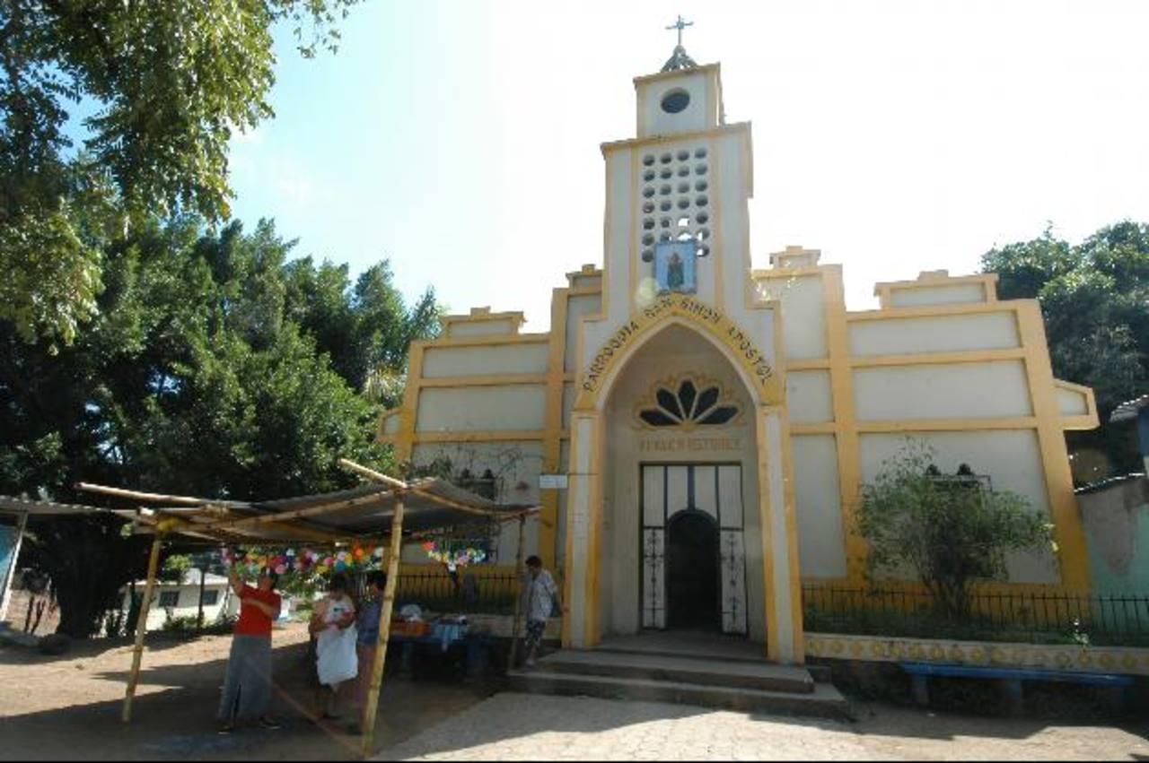 Uno de los atractivos de lugar es su iglesia ubicada en el parque central del municipio. foto edh / archivo