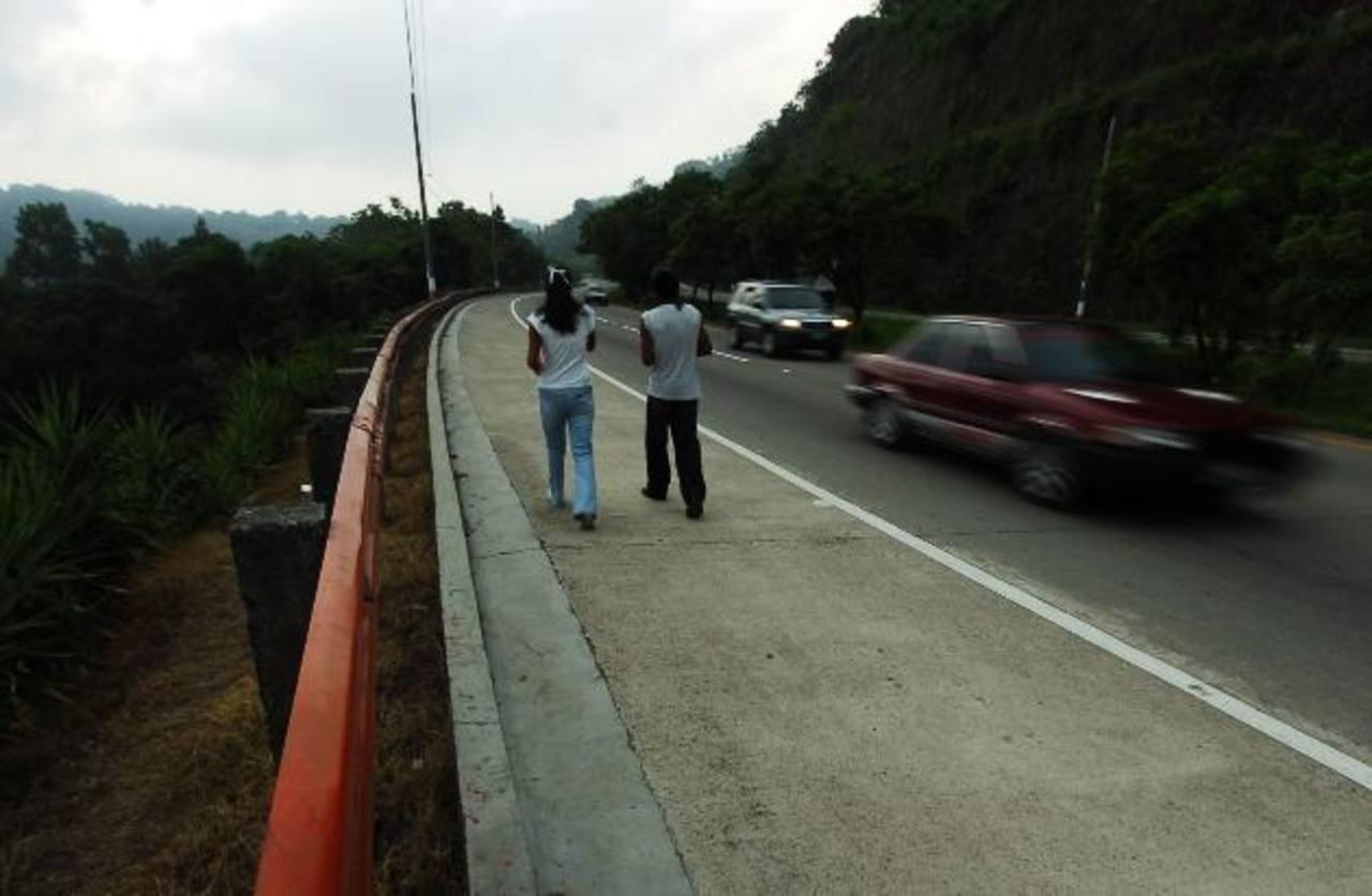 Varios de los asaltos a pasajeros de transportes colectivo y empresarial han ocurrido en Olocuilta. Foto EDH / Archivo