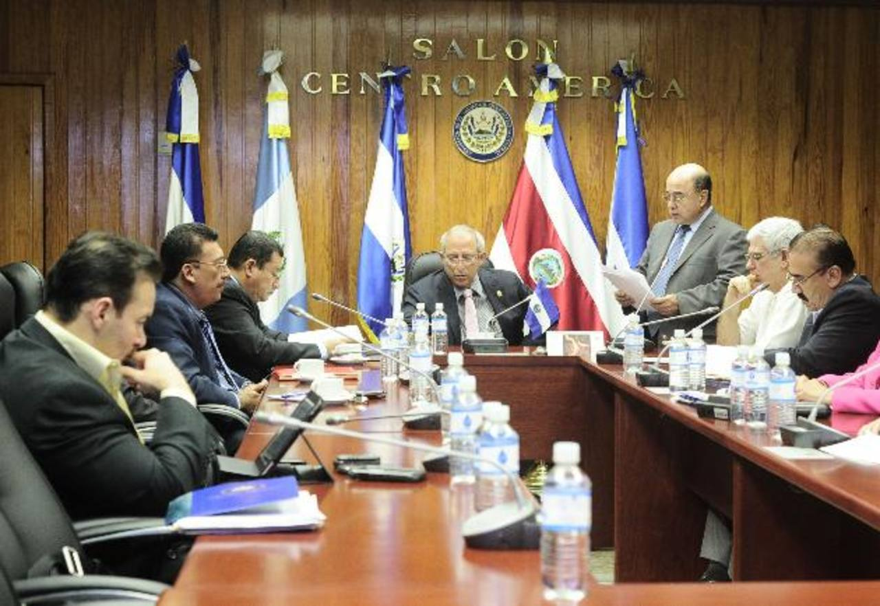 La comisión Política acordó sesionar hoy en el transcurso de la sesión plenaria. foto edh /ARCHIVO