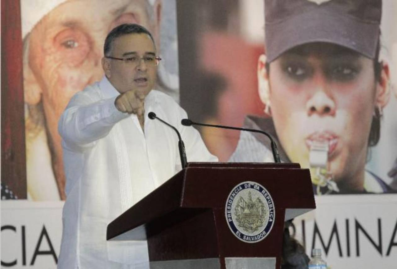 El presidente informó que esta tarde se reuniría con ministro de Defensa y fiscal general para tratar el tema de las acusaciones FOTO EDH/ARCHIVO