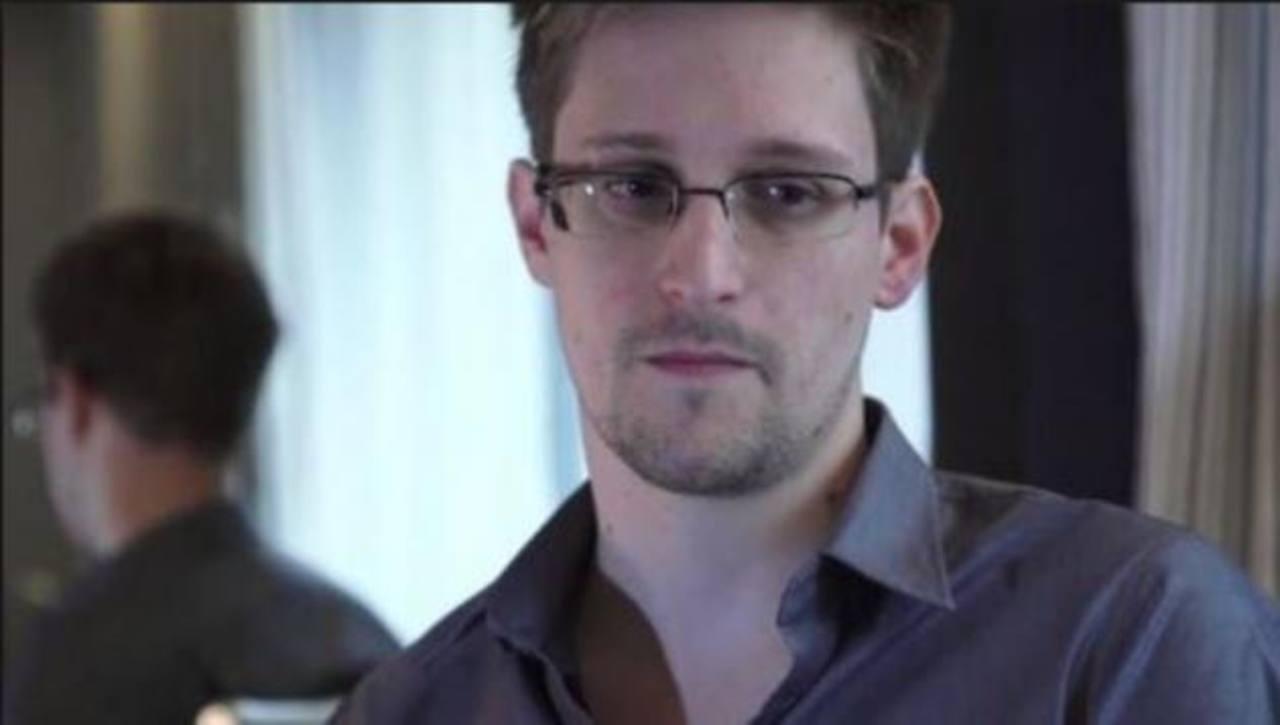 Snowden solicita formalmente asilo temporal a Rusia