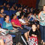 Unos 60 vendedores fueron capacitados. Foto EDH/Roberto Díaz