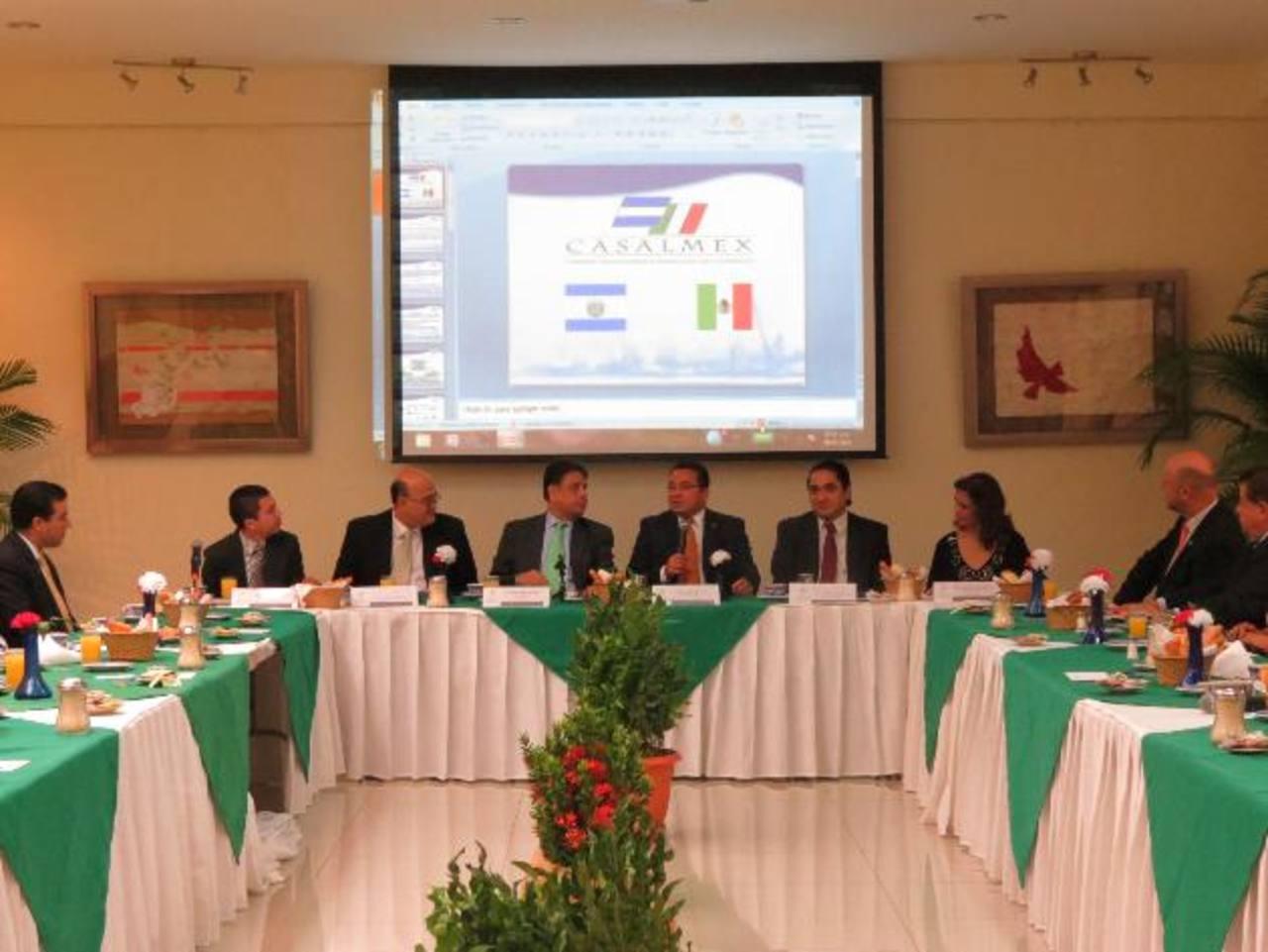 Empresarios mexicanos y salvadoreños sostuvieron ayer un encuentro en la Embajada de México. foto edh/cortesía